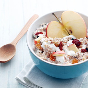Rolled oats mixed with yogurt,apple & raisin
