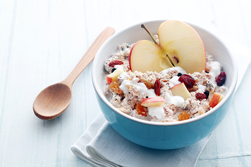 Rolled oats mixed with yogurt,apple & raisin